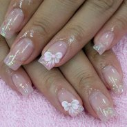 Нежный дизайн нарощенные ногти